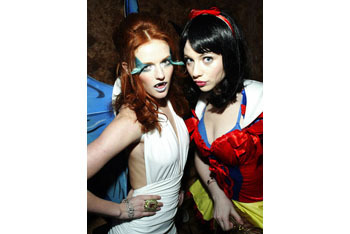 Michelle Tratchenberg as Snow White