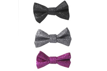 3 pack glitter bow hairpins, $5, at NewLook.com