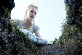 Mia Wasikowska as Alice Kingsley