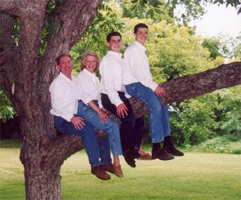Courtesy of Awkward Family Photos