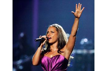 Alicia Keyes performing at BET Awards 2010