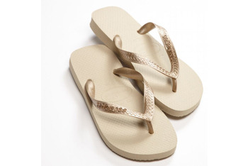 Havaianas gold metallic flip flops from American Eagle, $18