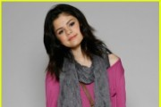 Preview backtoschoolcelebs gallery selena2