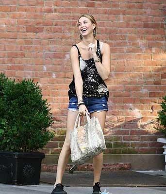 Whitney Port loves her tote bag!