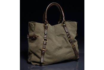 Utility tote bag from American Eagle, $39.50