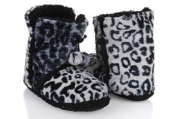 Faux fur leopard print ankle slippers, $10.80, at Forever21.com