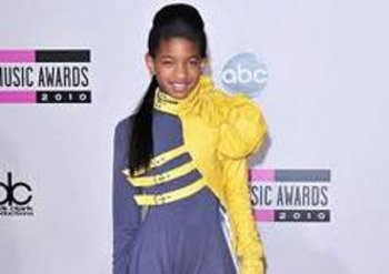 Fashion Forward: Willow at the AMA's