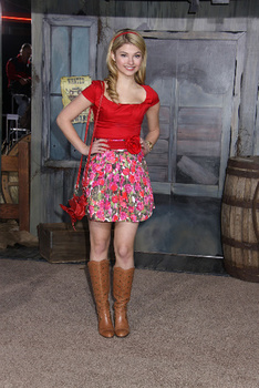 Stefanie Scott loves horseback riding