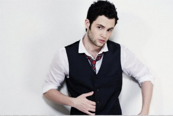Penn Badgley plays Dan Humphrey on Gossip Girl