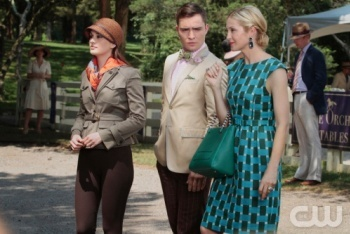 Lily Gives Chuck and Blair a Tour of the Grounds