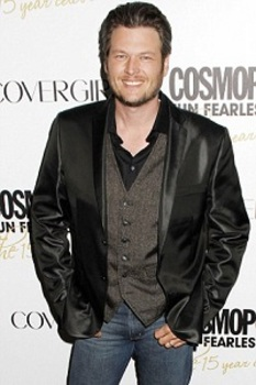 Casual party duds: Blake Shelton with a leather jacket over a vest and collared black shirt