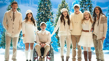 Glee celebrates the holidays!