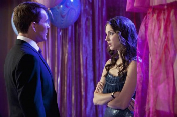 Pretty Little Liars: Season 2, Episode 22 :: Father Knows Best