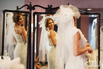 Naomi Wedding Dress Shopping