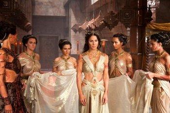 Dejah and her handmaidens