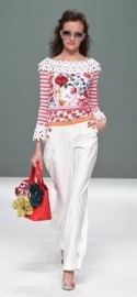 Pair busy florals with white and you can't go wrong!