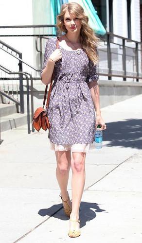 Taylor Swift is a summer sweetheart