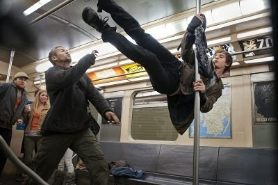 Peter Parker (Andrew Garfield) in swingin' action