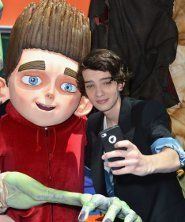 """Kodi takes a pic of himself with """"Norman"""""""