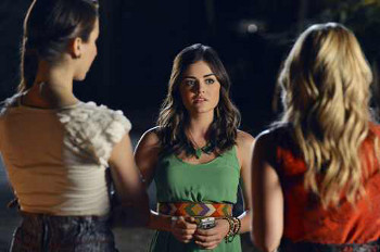 CeCe takes Aria and Spencer to a secret party