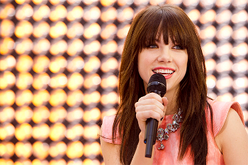 Kiss is Carly's second album