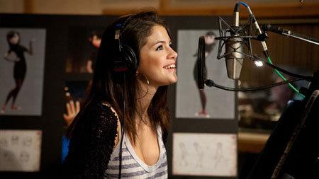 Selena records the Mavis voice