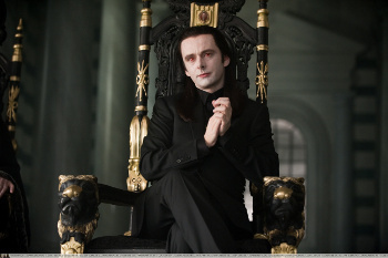 The Volturi rule and terrorize other vampires