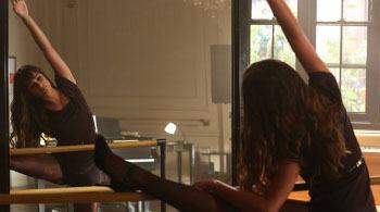 Brody tells Rachel he sees her inner beauty