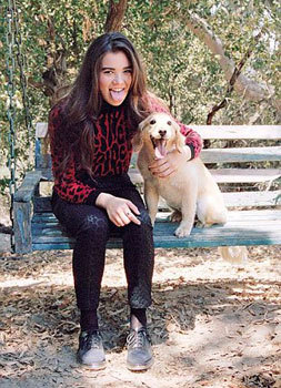 Hailee with her cute dog Paris
