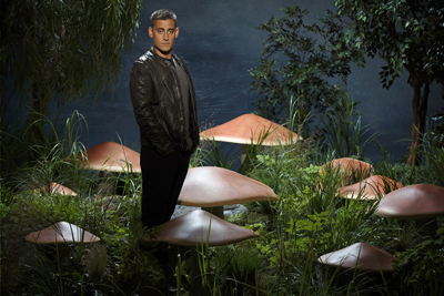 Michael Socha as Knave of Hearts (in street clothes)