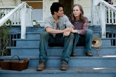 Clark talks to mom Kent (Diane Lane)