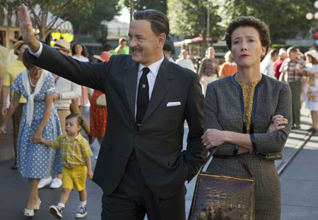Walt Disney (Tom Hanks) takes a reluctant Mrs. Travers (Emma Thompson) to Disneyland