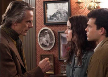 Alice with Jeremy Irons (Macon) and Alden Ehrenreich (Ethan)