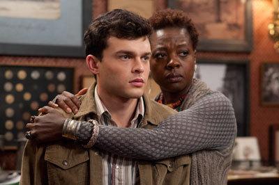 Amma (Viola Davis) protects Ethan (Alden Ehrenreich)