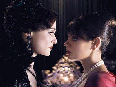 Sisters Evanora and Theodora (Mila)