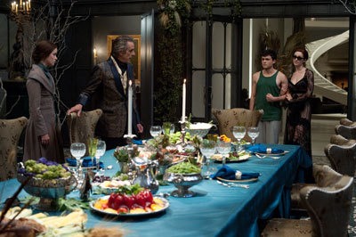 Alice (Lena), Jeremy (Macon), Alden (Ethan) and Ridley (Emmy) at dinner