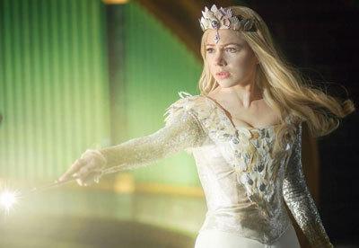 Glinda (Michelle) does magical battle