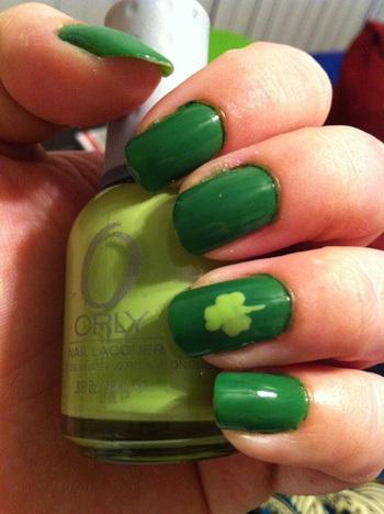 Simple green on green shamrock nail art