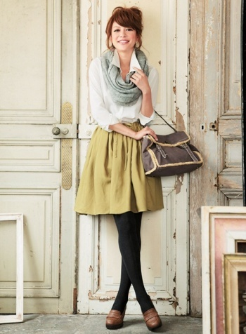 Fashion: Cute Outfit with Infinity Scarf