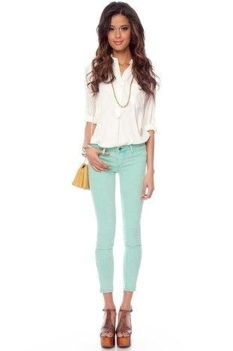 Fashion: Mint Pants, White Blouse and Chain Necklace