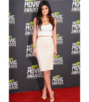 Kylie Jenner sizzled in summer whites!
