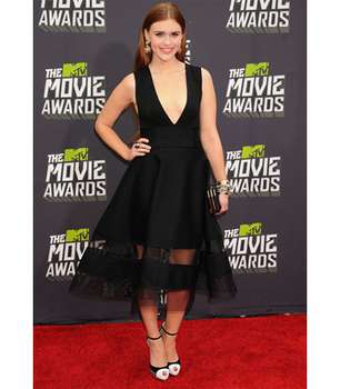 Holland Roden's modern take on 1950s glamour!