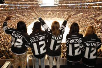 The American Idol 2013 Top 5 at a Hockey Game