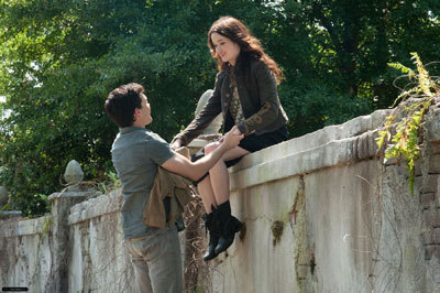 Ethan (Alden) and Lena (Alice) in love