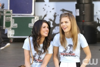Annie and Naomi on the 90210 Series Finale