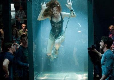 Isla pulling an escape