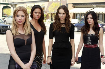 The liars attend Det. Wilden's funeral