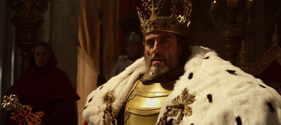 Isabelle's father the king (Ian McShane)