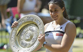 Marion Bartolli with her trophy!