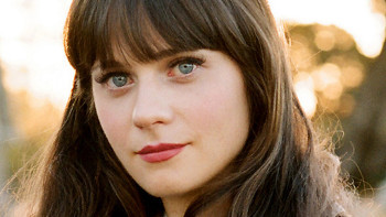 Zooey's bangs are ultra-pretty, but they need to be maintained!